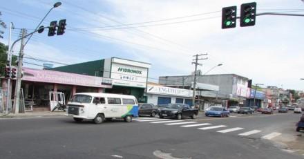 Dois novos semáforos, já operam na Av. Tefé