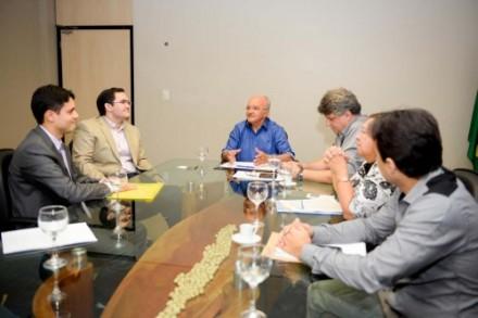 Governo do Amazonas  propõe termo de cooperação para solucionar impasse ambiental na   BR--319