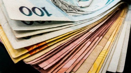 Com pires nas mãos, os governos no Brasil subiram os impostos e salva-se quem puder