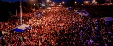Carnaval de rua de bandas e blocos e  Manaus