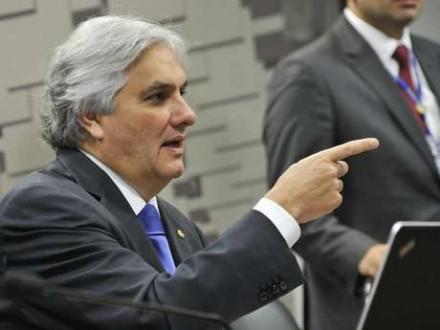 Preso, o senador Delcídio Amaral (PT), pode adeerir a delaçao premiada