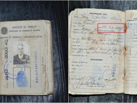 A foto mostra os documentos originais do idoso