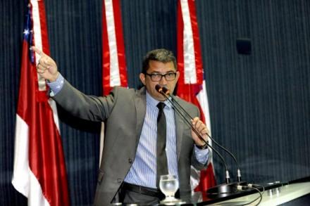 Deputado Ferraz, diz que pescadores do Amazonas, abandonados pelo Gov. Federal, etsão à mingua