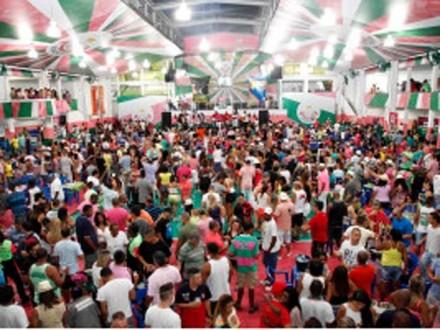 Tristas do \brasil e do mundo, mrcarão presença nesse show de muito samba, mulheres bonitas, animação e luxo