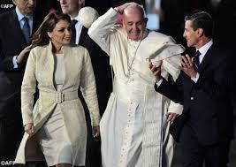 O Papa receey uito carinho dos mexicanos, em todos os ugares por onde passou