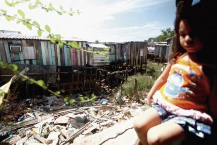 A poluição dos igarapés que cortam Manaus, certamente, será um dos focos da CF