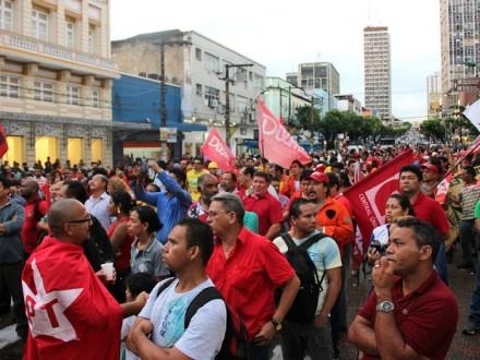 A manifestação ocorreu no centro de Manaus