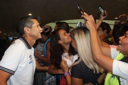 Nenê, o vascaíno, mais festejado na chega a Manaus