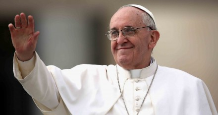 O papa Francisco, pede uma Igreja  mais moderna, aberta, e tolerante com os maus católicos