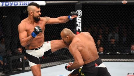 Ronaldo Jacaré não teve dificuldades em bater Vitor Belfort UFC 198