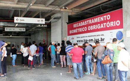 Eleitores de Manaus chegaram a formar filas nos quatro postos de atendimento aos eleitores que ainda estão em funcionamento na capita