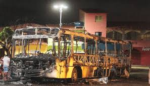 Dezenas de  ônibus já foram incendiados em S. Luis, Maranhão