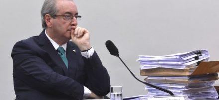 No Conselho de Ética da Câmara, Cunha volta a negar conta no exterior