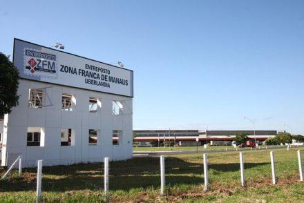 TCE, visita entrepostos da ZFM ( foto Ana Claudia Jatahy)