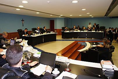 Pleno do TCE, AM reunido. (foto Ana Caldia Jatgahy)