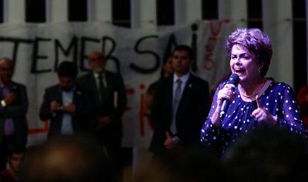 Temer limita viagens de Dilma com a FAB a Porto Alegre, petista reclama