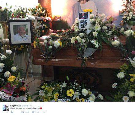 O caixão com o corpo do ator, foi coberto com maçãs e flores