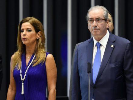 A jornalista Claudia Cruze o marido Dep. Fed. Eduardo Cunha, multados pelo BC
