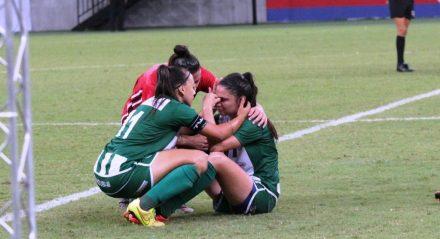 As meninas choram após a derrota