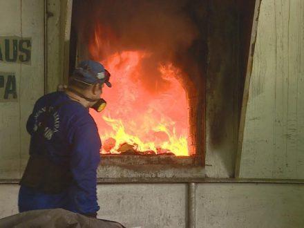 Duas toneladas de drogsa, consumidas pelo fogo, em Manaus