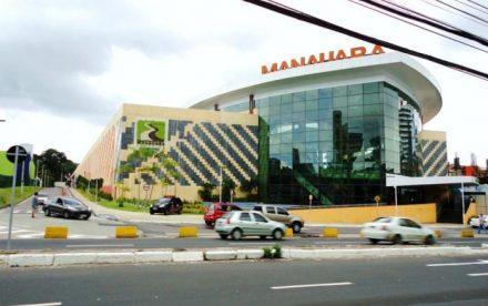 Acidente com escada volante no Manauara Shopping, provoca susto e ferimentos