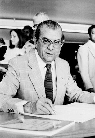 Jarbas Passarinho, nasceu no Acre, viveu no Pará e morou e morreu em Brasilia, onde foi sepulatdo