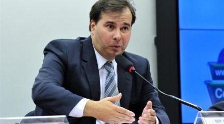 Rodrigo Maia, promete desconto no salário, para deputado que faltar ao trabalho