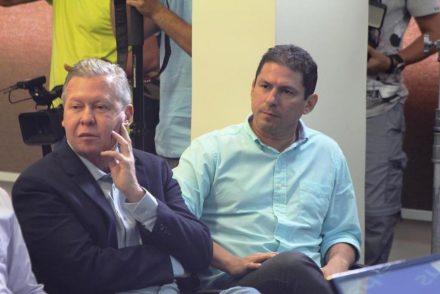 """Decisão da juíza diz que conteúdo apresentado pela coligação de Artur tem """"forte teor negativo"""" contra Marcelo"""